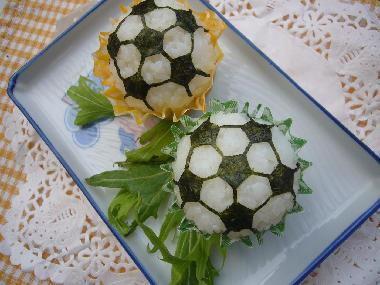海苔カット*簡単サッカーボールおにぎり♪ – 簡単にできる★ノリの切り方紹介♪