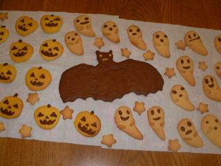 ハロウィン用クッキー – おばけやカボチャの型でパーティーにも
