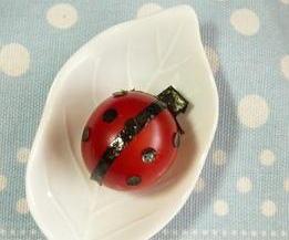 トマトでてんとう虫 – 海苔でデコって可愛い天道虫