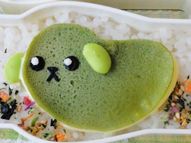 ほうれん草パウダーで緑色の薄焼き卵