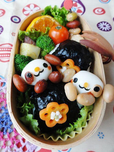 うずらの卵とお豆がワンワン犬に