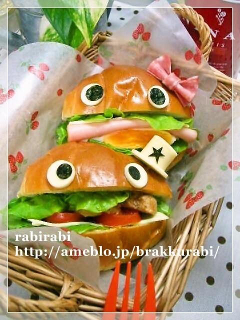 リボンと帽子が可愛いサンドイイッチ