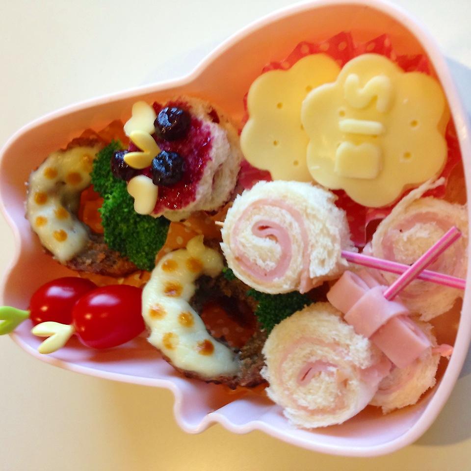 おやつなサンドイッチのお弁当 – 可愛いぺろぺろキャンディー・ビスケットのスイーツ弁当